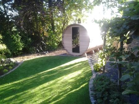 Plaatsen van een barrel sauna